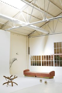 Tour a Creative Workspace in Madrid For Photoshoots and Events - Photo 7 of 18 -