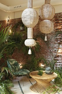 Tour a Creative Workspace in Madrid For Photoshoots and Events - Photo 12 of 18 -