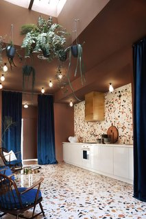 Tour a Creative Workspace in Madrid For Photoshoots and Events - Photo 16 of 18 -