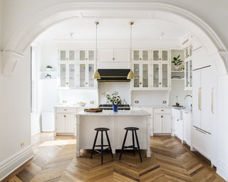 A 19th-Century Schoolhouse in Brooklyn Becomes a Classy Apartment - Photo 9 of 21 -