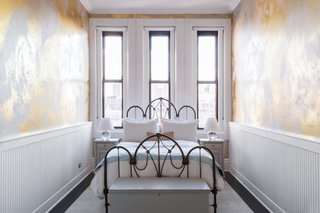 A 19th-Century Schoolhouse in Brooklyn Becomes a Classy Apartment - Photo 13 of 21 -
