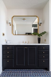 A 19th-Century Schoolhouse in Brooklyn Becomes a Classy Apartment - Photo 19 of 21 -
