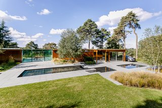 A Modernist Time Capsule by Erno Goldfinger Asks $4M - Photo 3 of 19 -