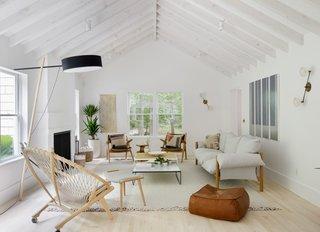 A Hamptons Beach Retreat Gets a Scandinavian-Style Makeover - Photo 7 of 19 -