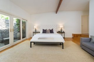 Anna Faris Lists Her Midcentury Abode in the Hollywood Hills For $2.5M - Photo 12 of 16 - The master suite is like an oasis.