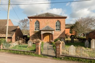 A Converted 19th-Century Church in the English Countryside Asks $923K - Photo 2 of 17 -