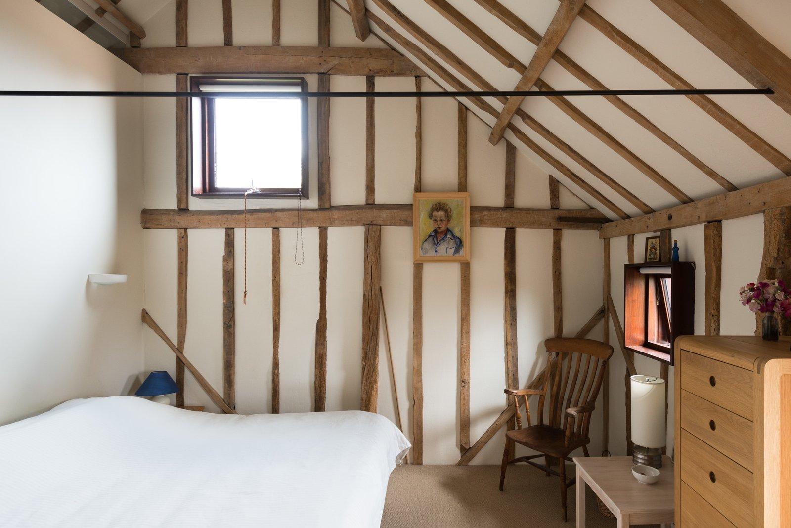 Simple farmhouse bedroom style.
