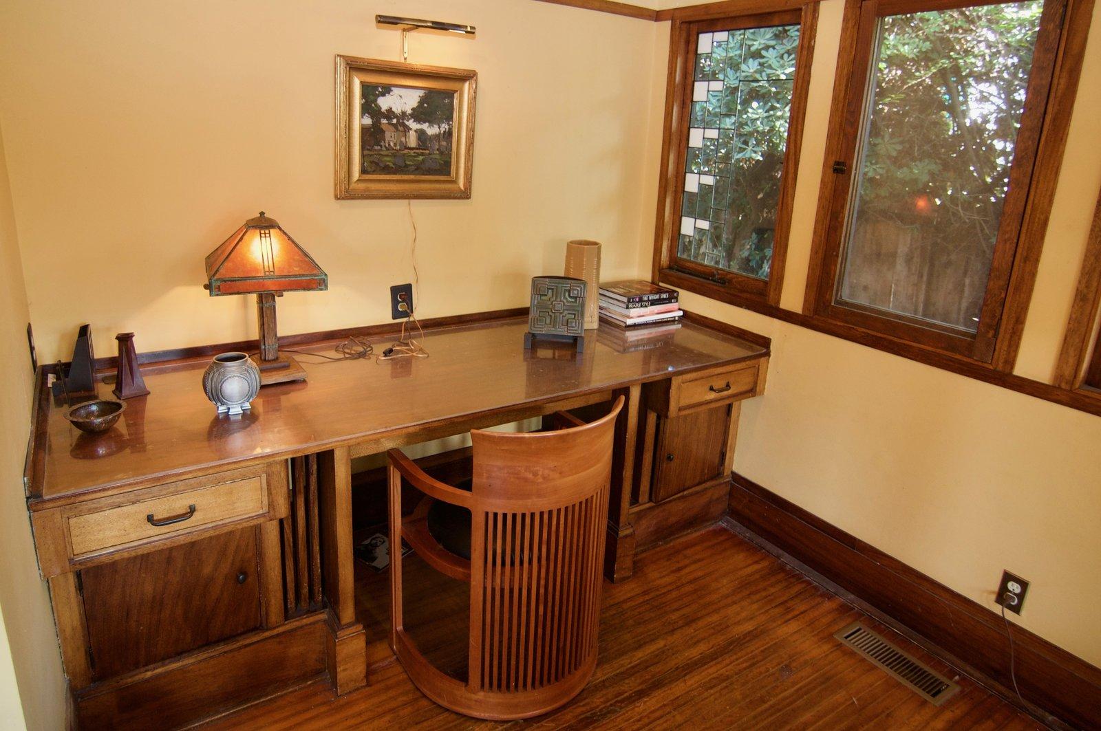 An original built-in desk.