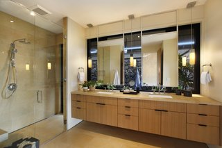 A Breezy Hawaiian Residence by Olson Kundig Hits the Market at $6.95M - Photo 6 of 14 - The ensuite master bath