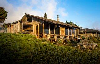 A Contemporary Beach Retreat on California's Central Coast Asks $2.3M