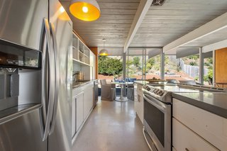 An Elegant Eichler Hits the Market at $1.15M in Northern California - Photo 8 of 21 - The appliances have been updated.