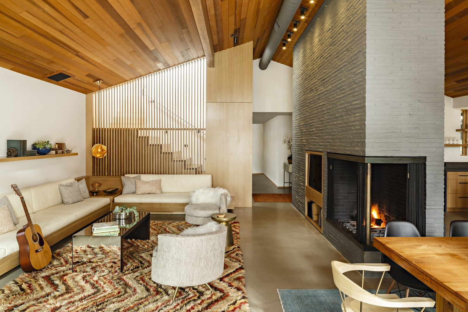 Before And After A Midcentury Lakeside Home Receives A