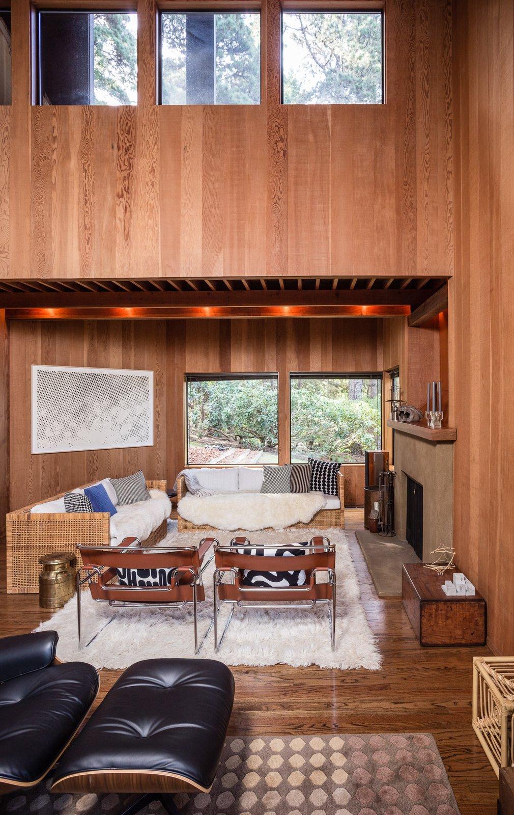 A California casual vibe engulfs the living area.