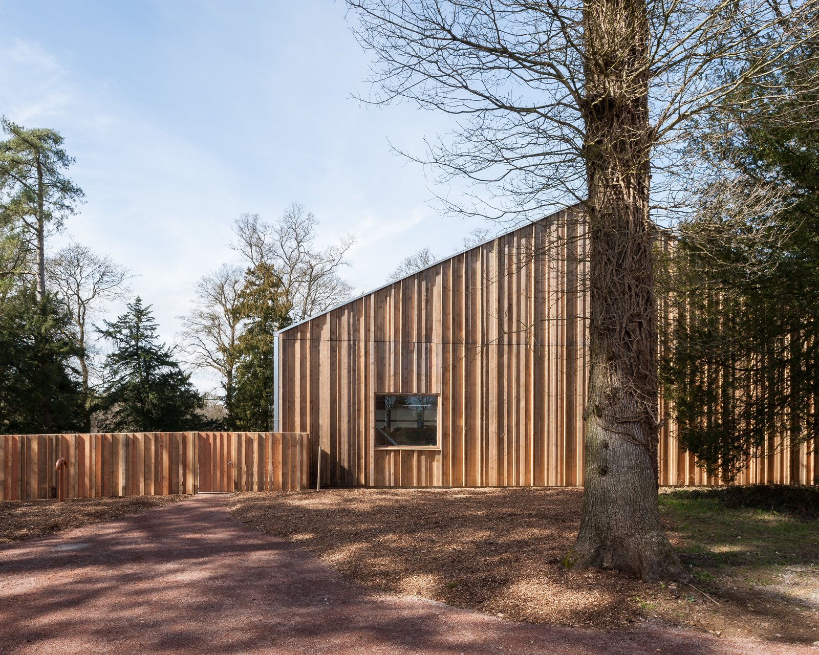 The building was constructed entirely from green timber grown and milled on site at Westonbirt, with a series of interns and apprentices from the Carpenter's Fellowship. The students were up-skilled through the process of working alongside master carpenters.