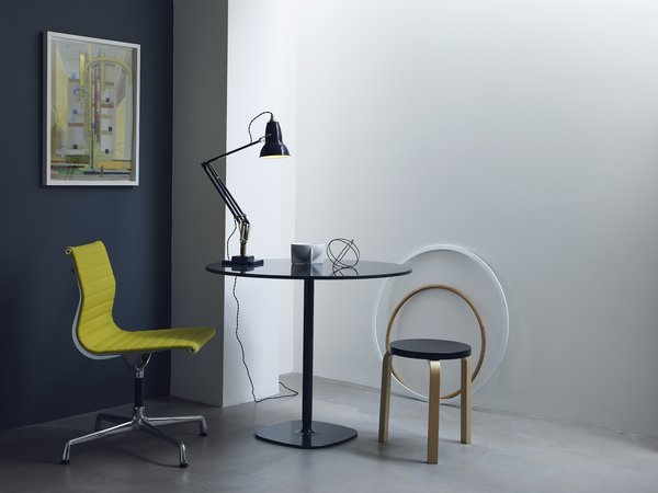 Dwell's Favorite Desk and Table Lamps