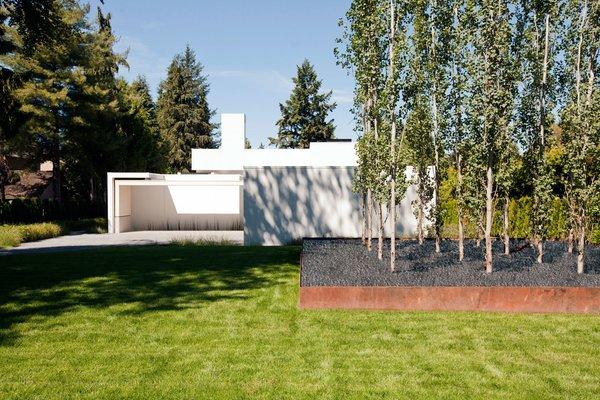 Photo 3 of Yan Residence modern home