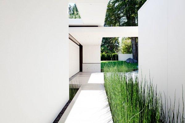 Photo 11 of Yan Residence modern home