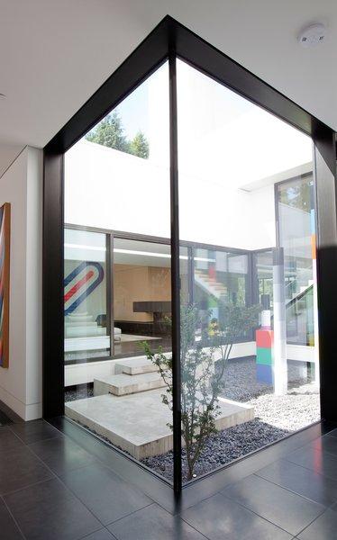 Photo 8 of Yan Residence modern home