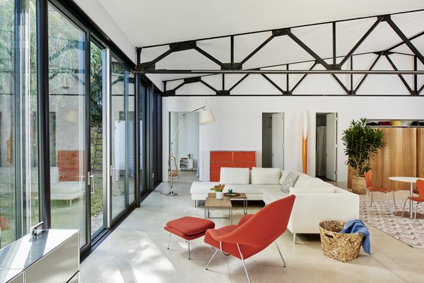Modern home with living room. Photo  of Rudolph House