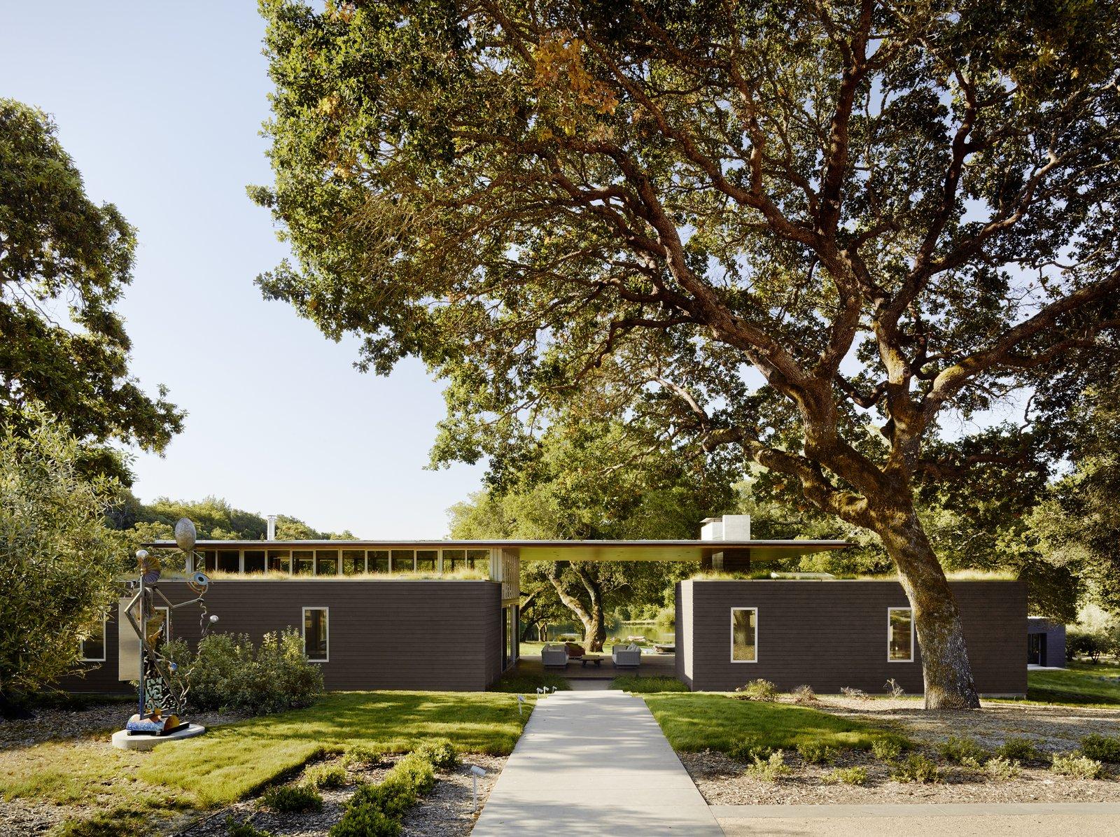 #TurnbullGriffinHaesloop #outdoor #exterior #landscape #livingroof  Sonoma Residence by Turnbull Griffin Haesloop Architects