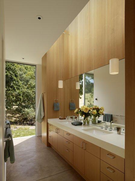 #TurnbullGriffinHaesloop #interior #bathroom #window Photo 10 of Sonoma Residence modern home