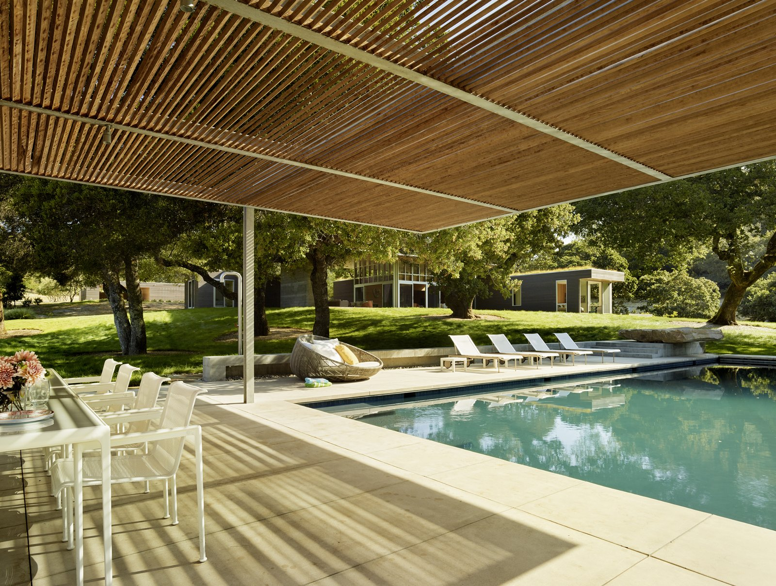 #TurnbullGriffinHaesloop #exterior #pool #shading Sonoma Residence by Turnbull Griffin Haesloop Architects