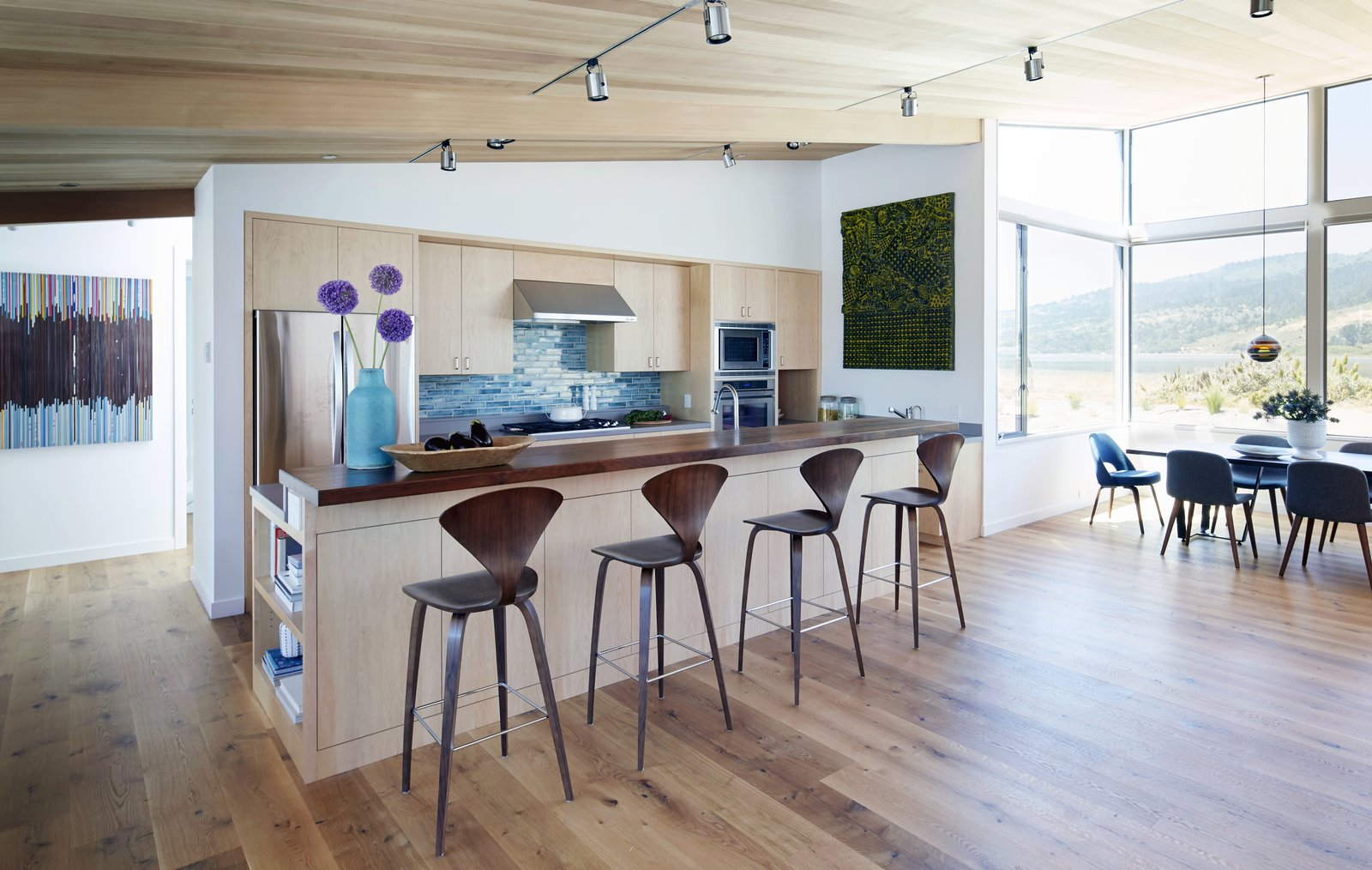 #TurnbullGriffinHaesloop #interior #kitchen #diningroom  Stinson Beach Lagoon Residence by Turnbull Griffin Haesloop Architects