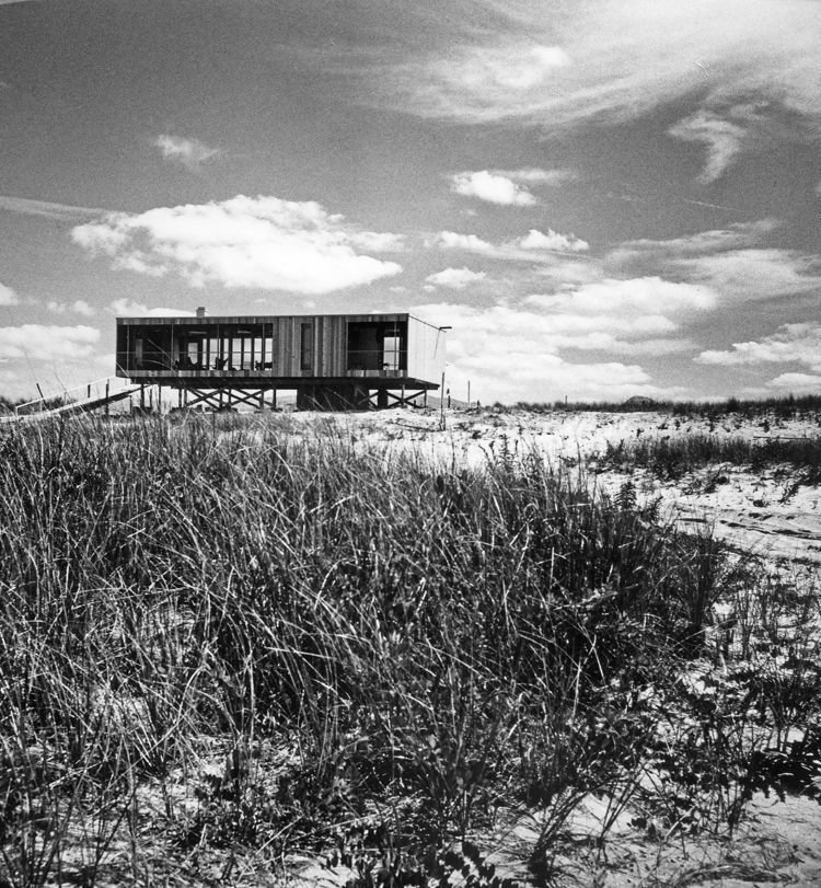 Richard Meier, architect.  Lambert beach house 1961  Surf Shacks