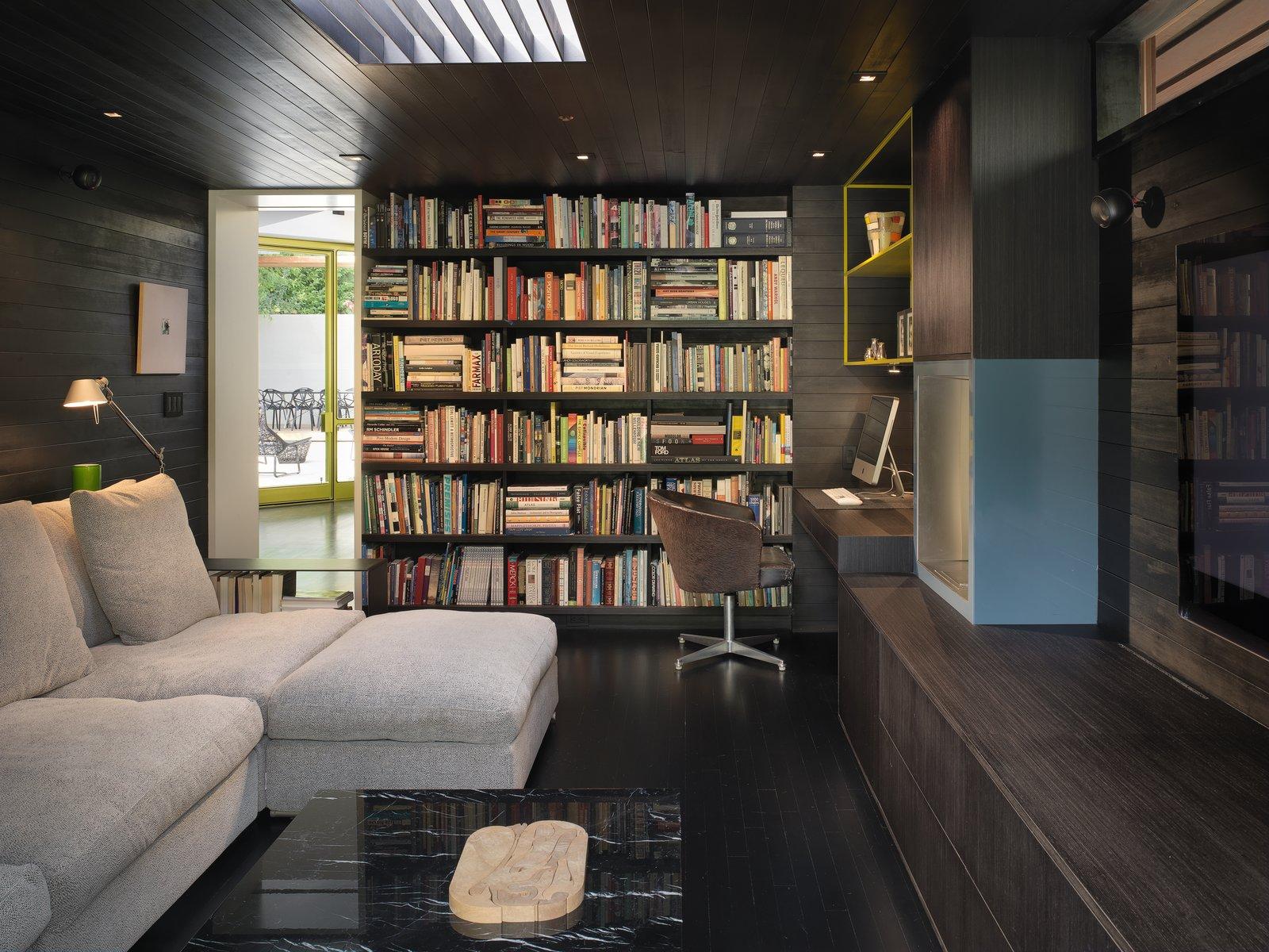 Den  MV House by Chris Deam