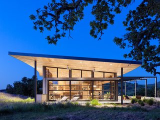 11 Modern Ranch-Style Homes - Photo 2 of 11 -