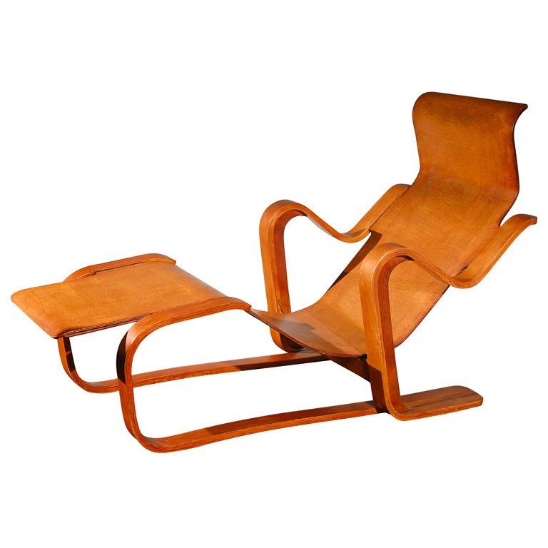 "Isokon ""Long Chair"" by Marcel Breuer , United Kingdom, 1937.  Photo: Sam Kaufman Gallery, via 1st Dibs."