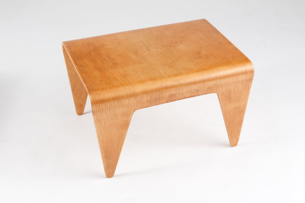 MARCEL BREUER Bent plywood nesting table, c.1936. Photo: Adam Edelsberg.