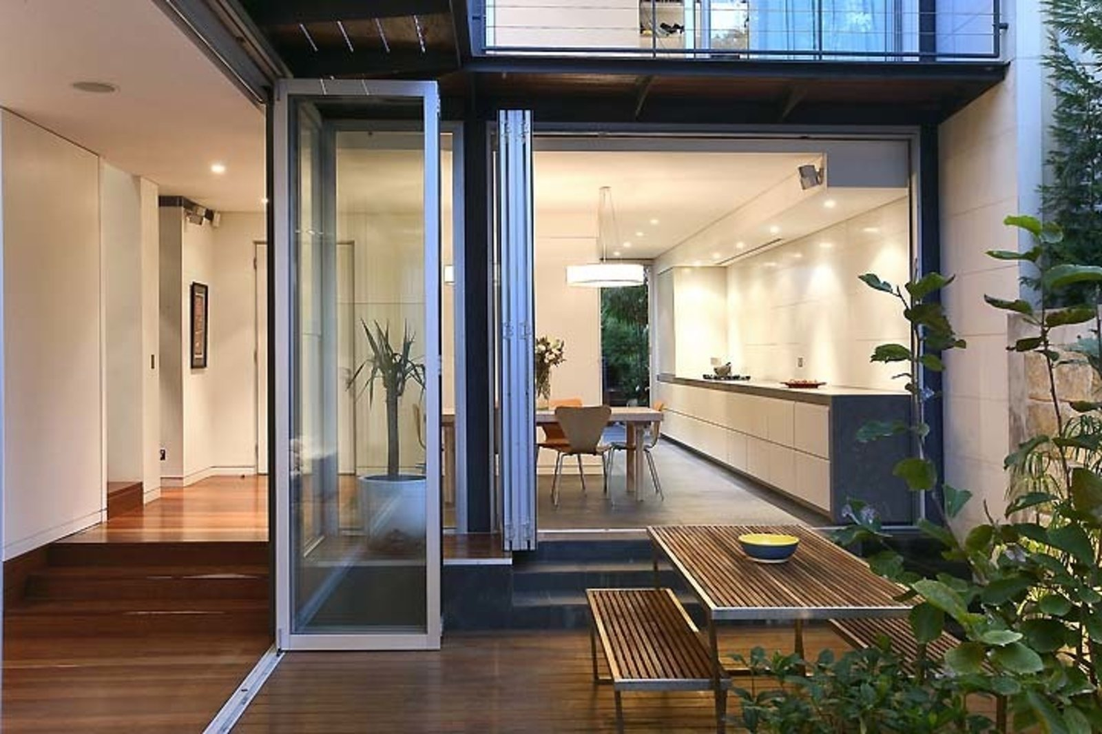 Sleek Architect's Home (Sydney, Australia)  Photo 12 of 16 in 15 Modern Summer Rentals