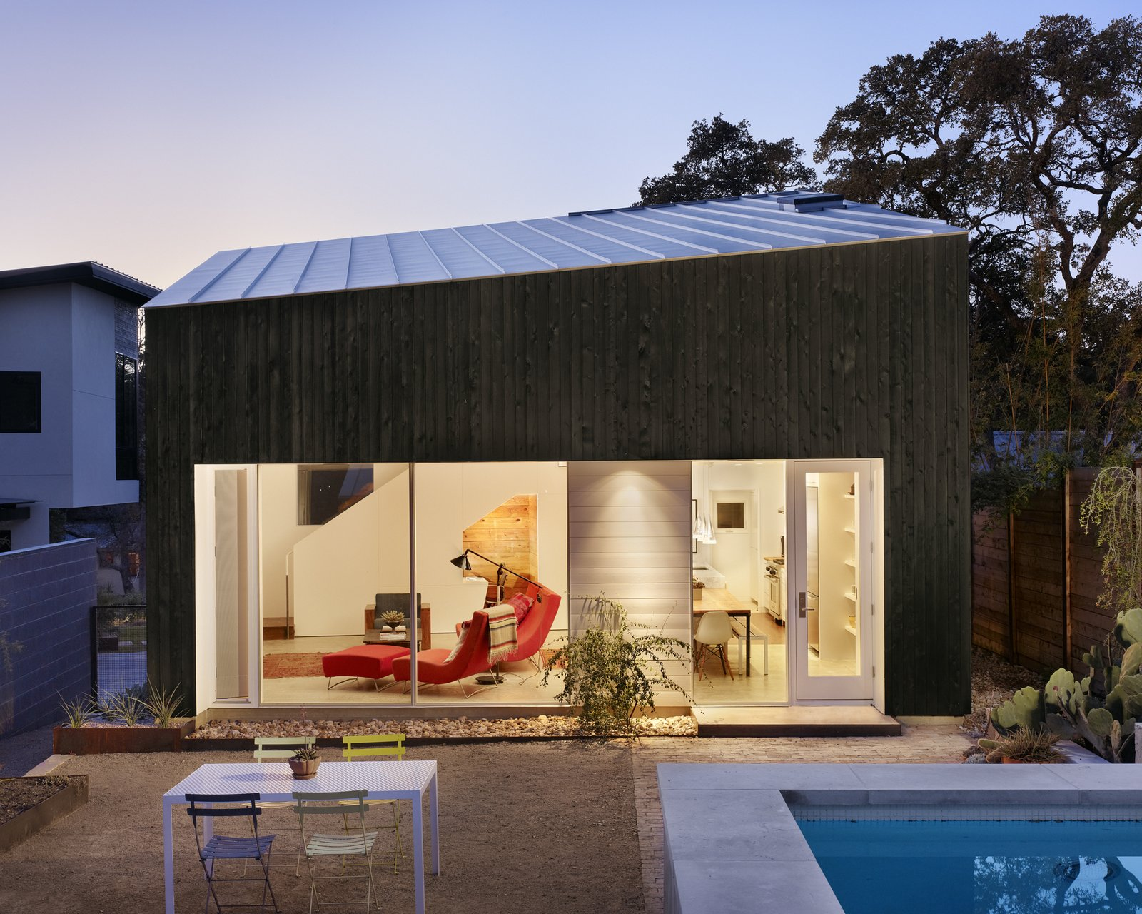 Hillside Residence by alterstudio architecture