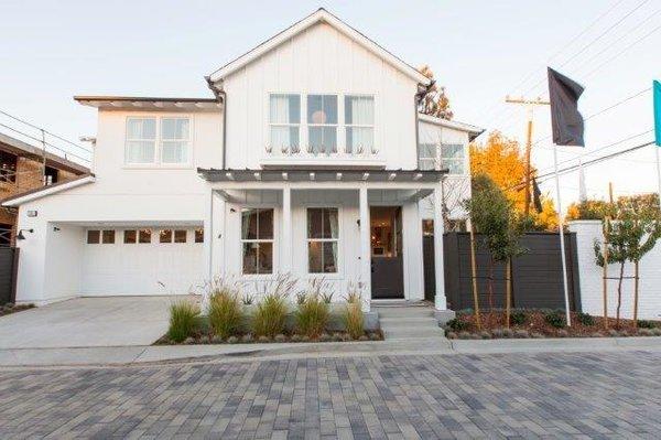 Modern FarmHAUS asthetics Photo 3 of 2292 Pacific Avenue modern home