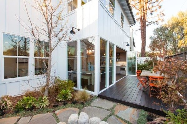 Photo 5 of 2292 Pacific Avenue modern home