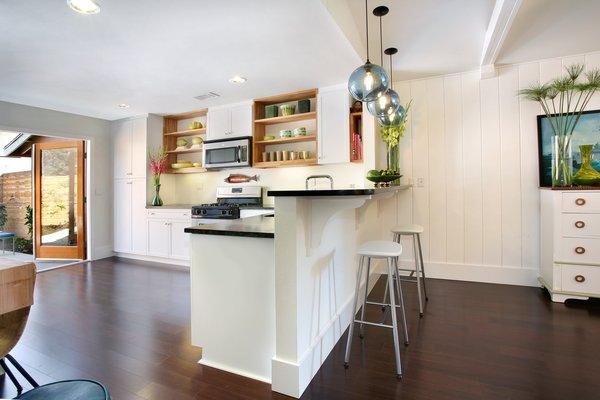 Photo 3 of 2379 Elden Avenue modern home