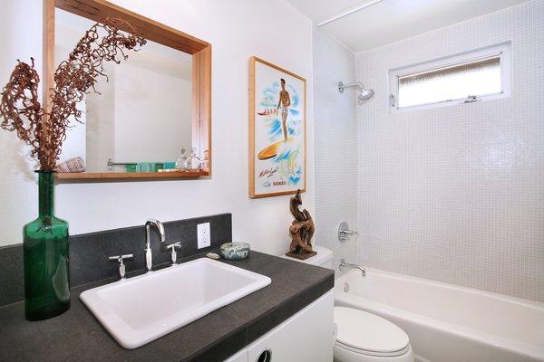 Photo 7 of 2379 Elden Avenue modern home