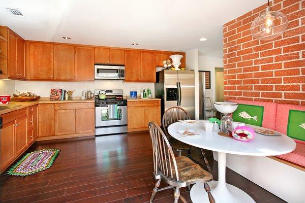 Photo 4 of 2379 Elden Avenue modern home