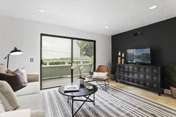 Modern home with living room. Photo  of Newport Crest HAUS