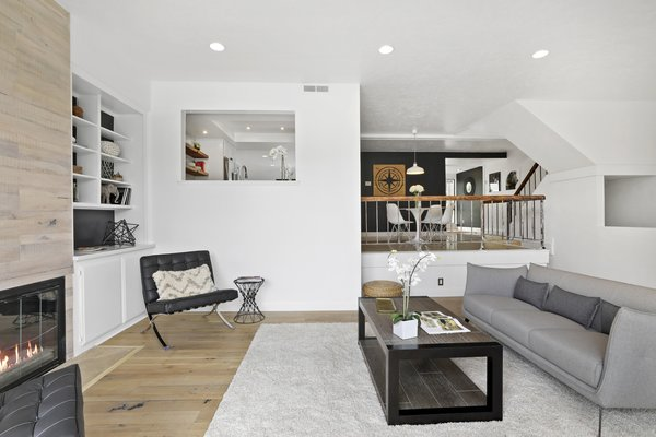 Modern home with living room. Photo 10 of Newport Crest HAUS