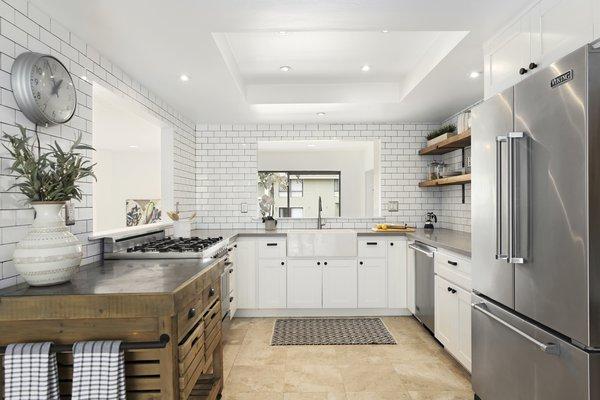 Modern home with kitchen. Photo 3 of Newport Crest HAUS