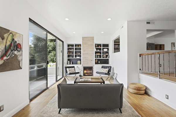 Modern home with living room. Photo 8 of Newport Crest HAUS