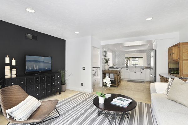 Modern home with living room. Photo 6 of Newport Crest HAUS
