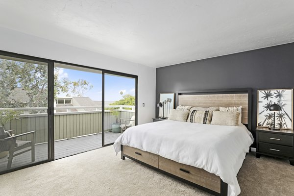 Modern home with bedroom. Photo 14 of Newport Crest HAUS
