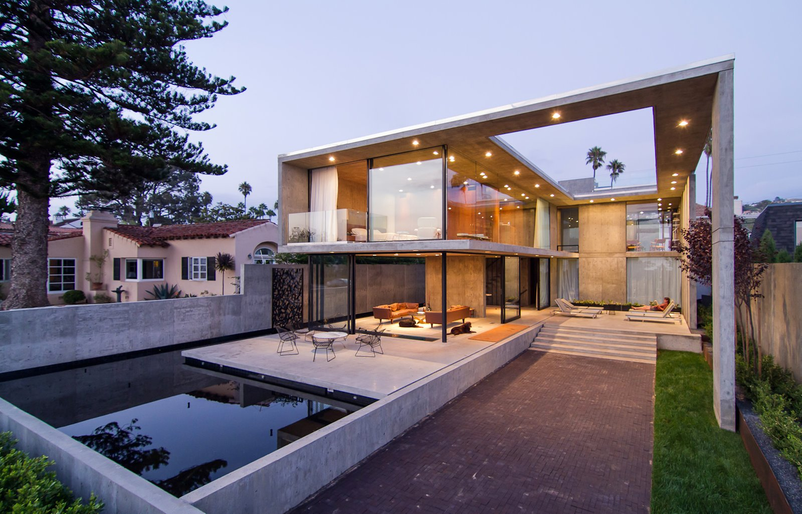 Photo 1 of 8 in This Architect's Home Embraces Oceanfront Views
