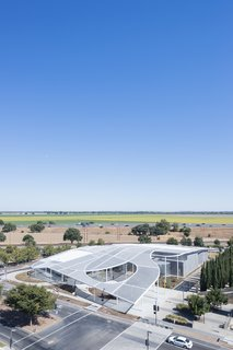 A Game-Changing Museum Becomes a New Symbol of UC Davis - Photo 1 of 7 - The Manetti Shrem Museum, viewed here from the northwest, sits on a main thoroughfare and acts as one of the main portals onto campus. Across the street is the Mondavi Center for the Performing Arts.