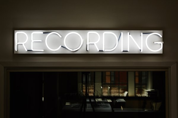 Two sound engineers at Dots record all the music for each game—an especially impressive feat considering that each level has a different soundtrack.