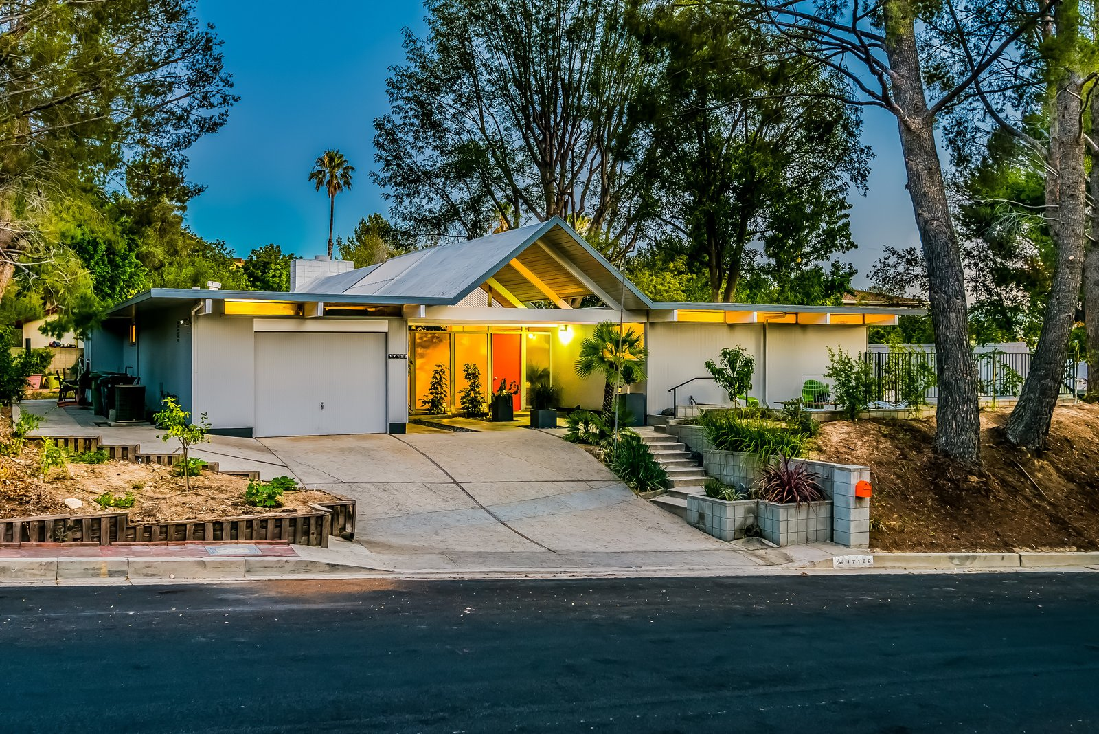 With Only One Previous Set of Owners, a Pristine Eichler Home Asks $799K - Photo 1 of 13