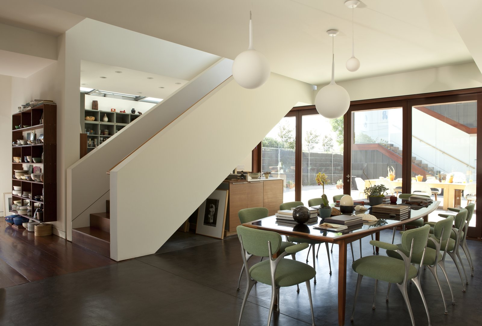 The open plan Live Outside the Box in This Artist's Haven For $3.5M - Photo 5 of 9